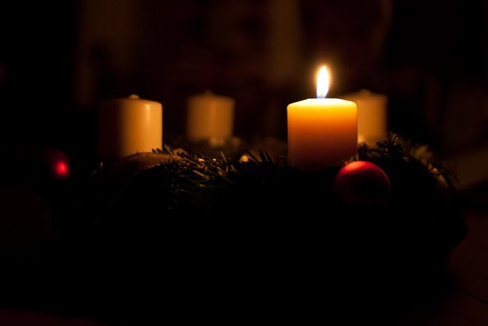 adventwreath_firstweek_candle_2009